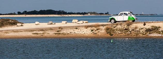 Team building Rallye 2CV-Agence événementielle La Rochelle - Ysséo Event (4,